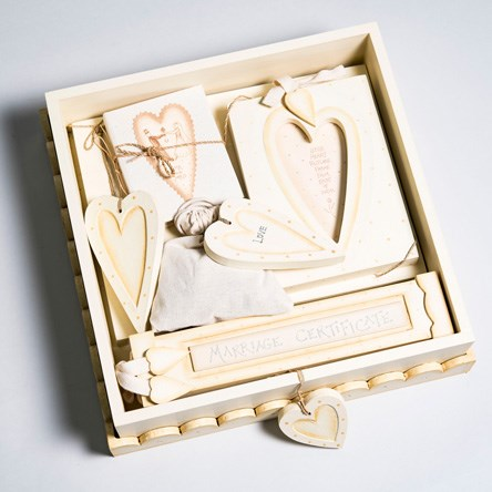 Wedding Gifts For Groom Uk : Bride and Groom Gifts GettingPersonal.co.uk