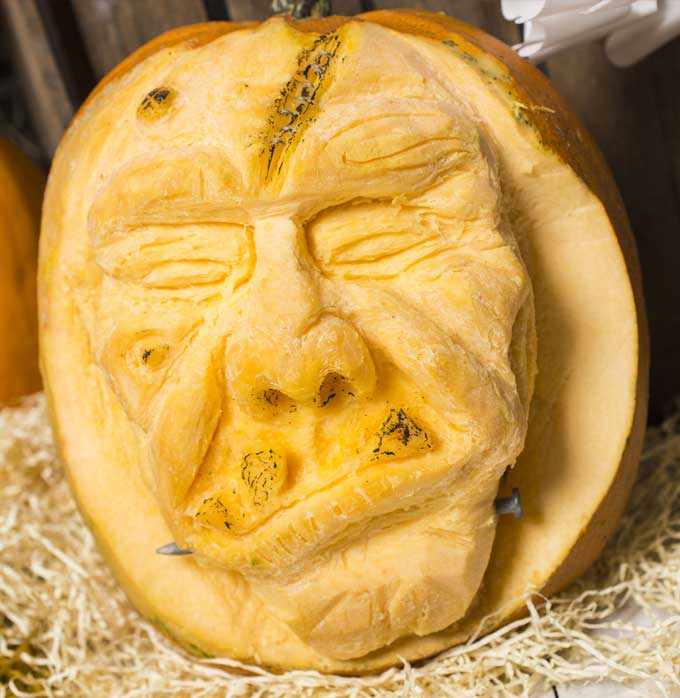 Is This The Most Amazing Pumpkin Carving Ever?