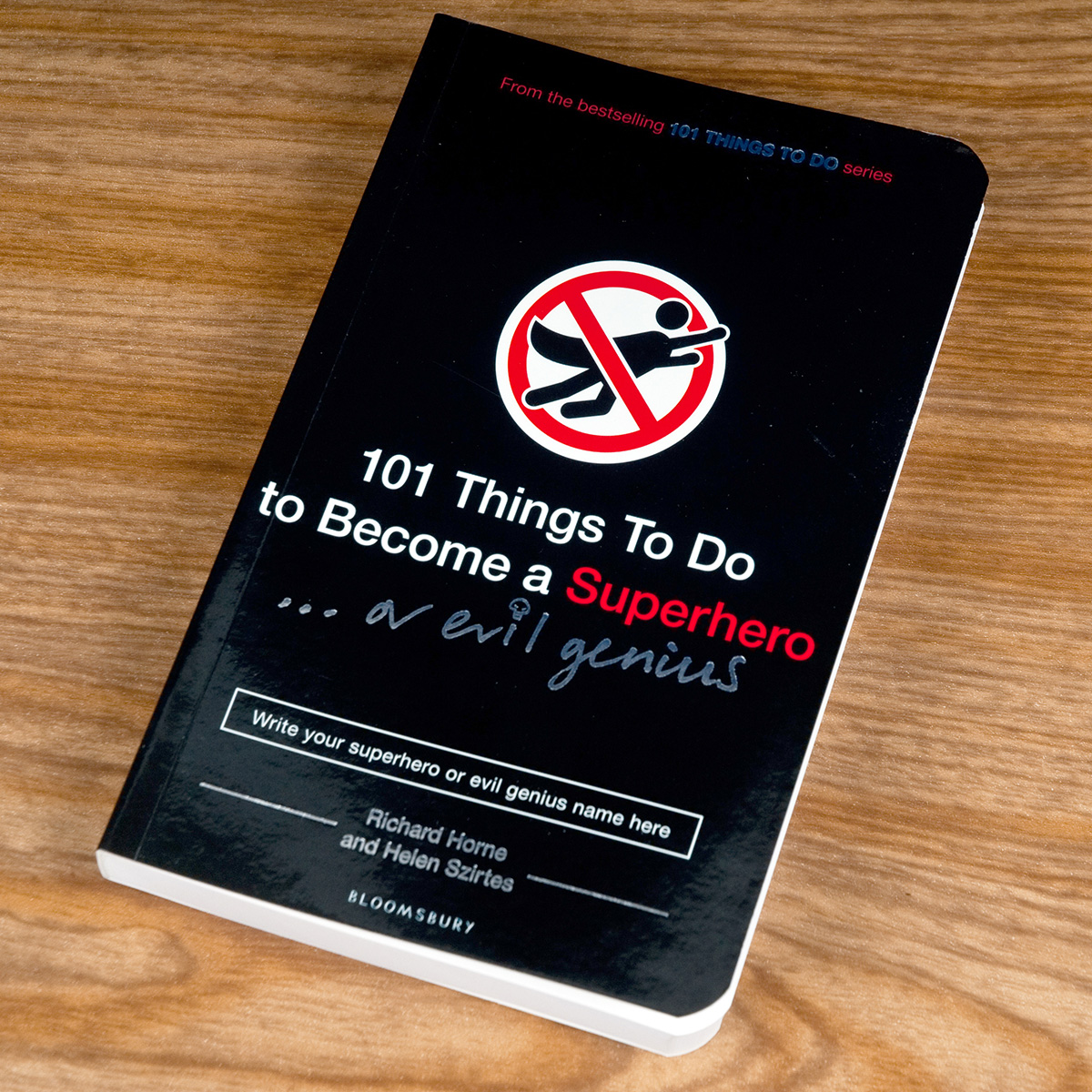 Image of 101 Things To Do To Become A Superhero/Evil Genius - Gift Book